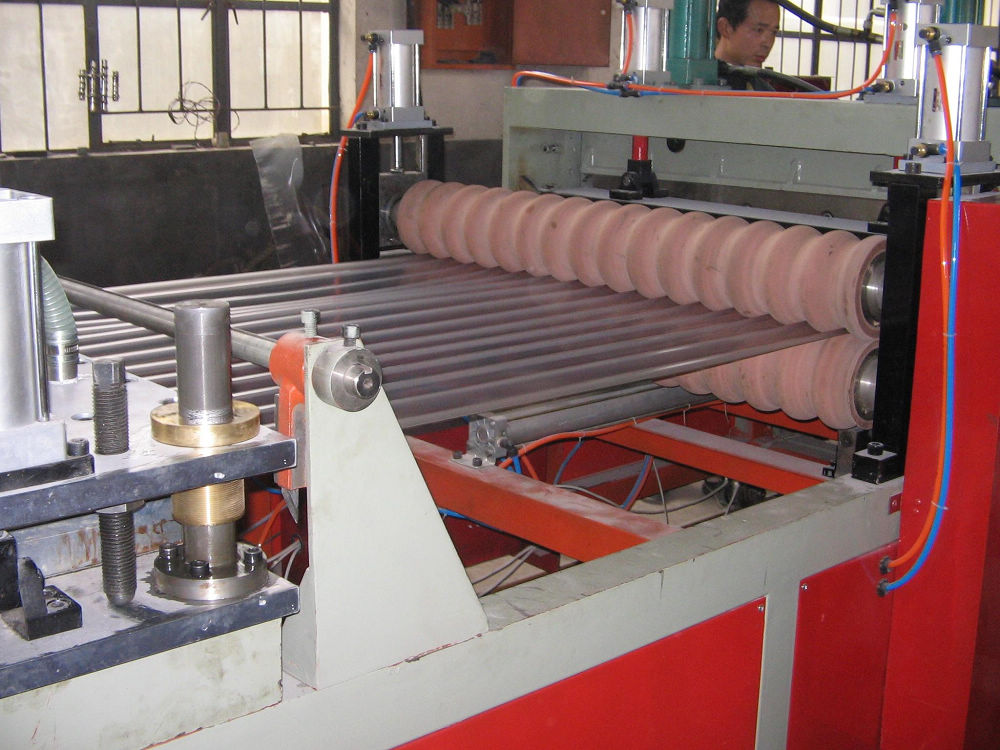 PVC/PMMA Corrugated Roof Sheet Extrusion Machine